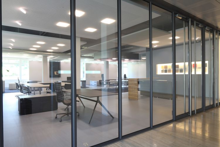 Office furniture and Conference room solutions - RENZ